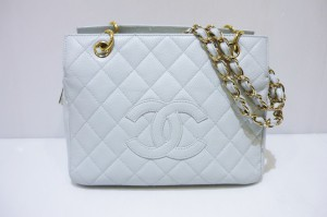 CHANEL マトラッセ チェーントートバッグ  A18004